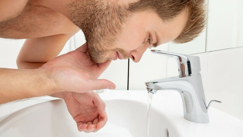 Mit Bartshampoo den Bart richtig waschen
