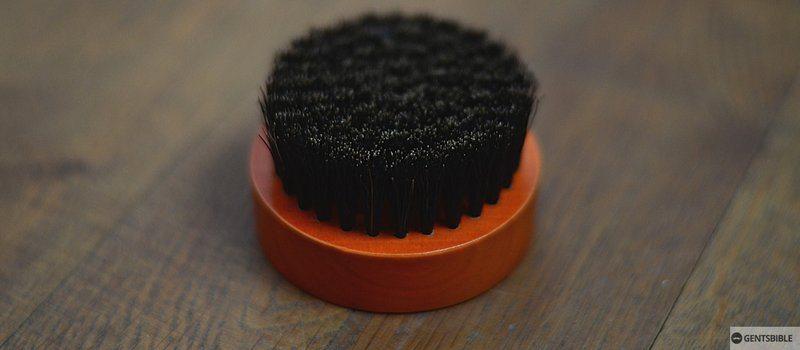 Bartbürste mit Wildschweinborsten